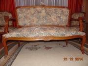 Антикварная мебель (набор): диван,  2 кресла,  стол